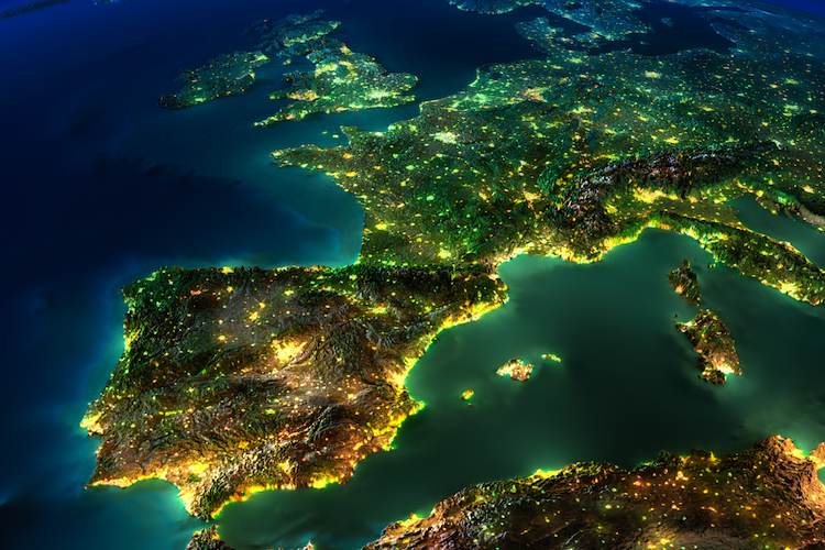 Europa-Sat-Nacht-750 in Schroders: Neuer Rentenfonds soll sicher und ertragreich sein