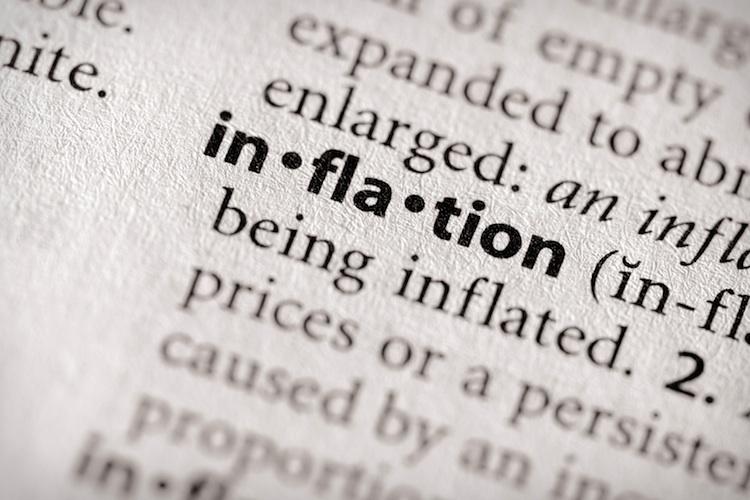 Inflation in Experten senken Inflations- und Wachstumsprognose