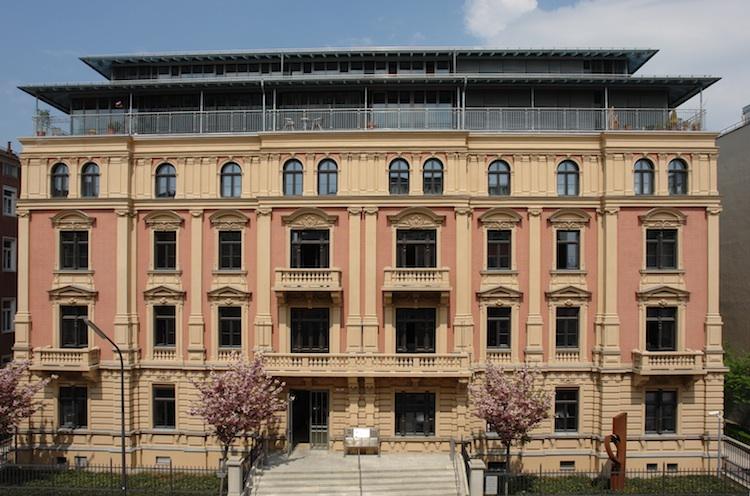 MV750 in Münchener Verein bietet Assistance im Segment Pflege