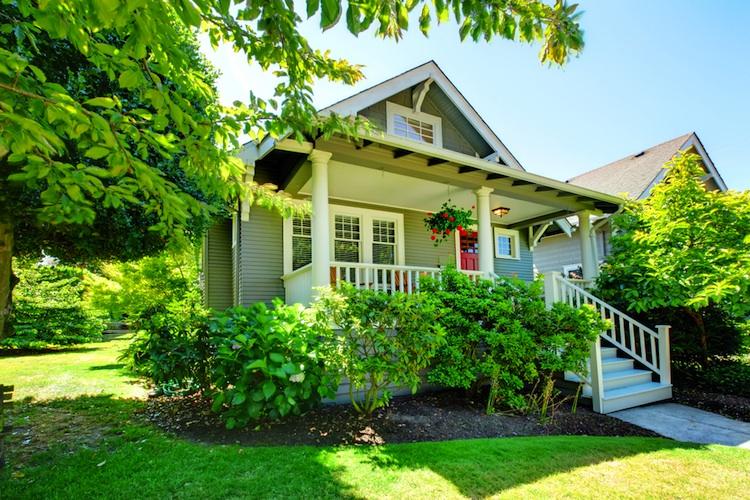 Shutterstock 120987520 in Transaktionsvolumen wächst: Investoren drängen in Immobilien