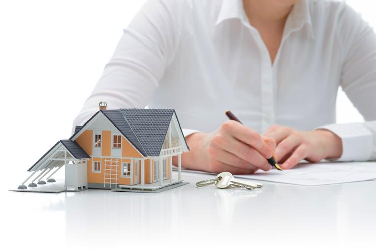 Baufinanzierung Shutterstock Gro 1740395422 in Durchschnittliche Monatsrate von Baufinanzierungen sinkt leicht