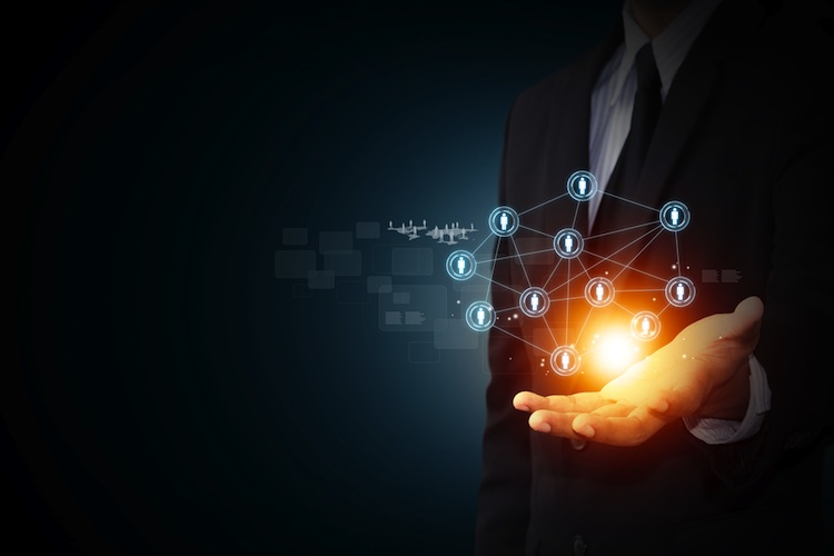 Digitale-Vertriebskanaele in Caceis mit neuer Service-Plattform