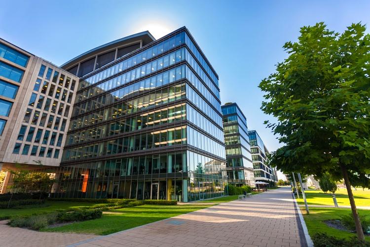 Gewerbeimmobilie Shutterstock Gro 1511223411 in BNP Paribas Real Estate steigert Umsatz