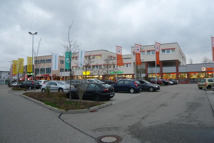 P1030562 in Hahn Gruppe kauft Fachmarktzentrum