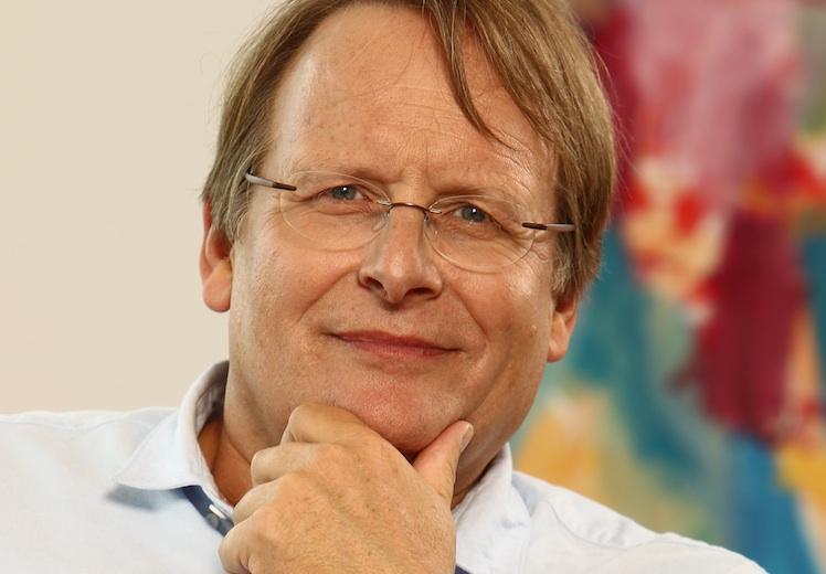 Portr T-Prof -Gr Nemeyer750 in Axa Kranken und Grönemeyer-Institut kooperieren