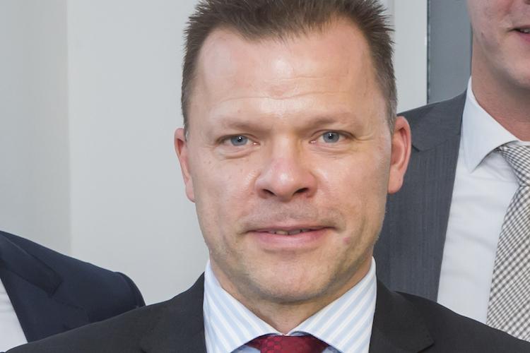 Schmidt-Roland-MG-750 in M&G verliert Deutschlandchef