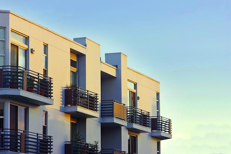 Wohnimmobilie Shutterstock Gro 126936059 in Zahl der Baugenehmigungen steigt in 2013