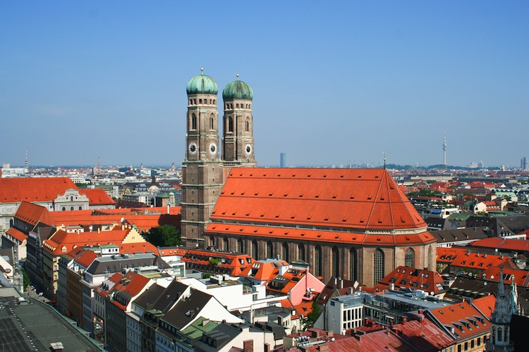 Shutterstock 110401313 in Hesse Newman: München-Fonds vollplatziert