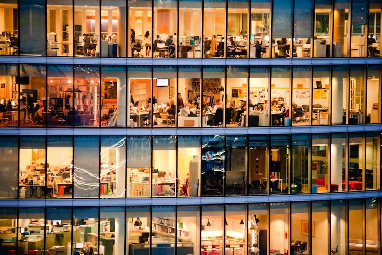 Shutterstock 131096951 in KGAL: Büromarkt 2014 voller Elan