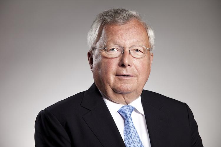 Dr Olearius750 in Warburg Bank legt Zahlen für 2013 vor