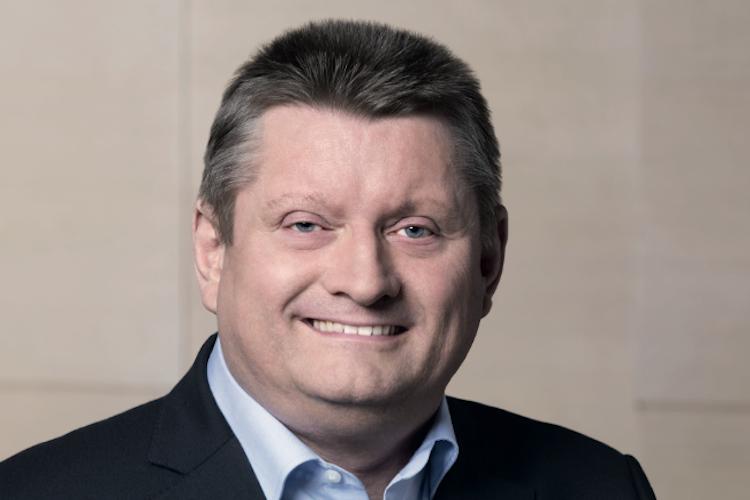 Pflege Minister Hermann-Groehe in Bürokratie in der Pflege abbauen