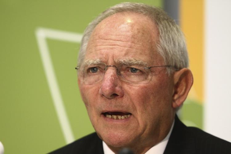 Shutterstock 113084821 in Schäuble setzt offenbar auf Prangerwirkung