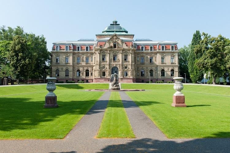 BGH Karlsruhe in Vermieter dürfen Forderungen nicht mit Kaution abgelten
