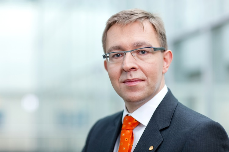 Breiting-Frank DAWM-750 in Deutsche vertrauen der Rente vom Staat nicht
