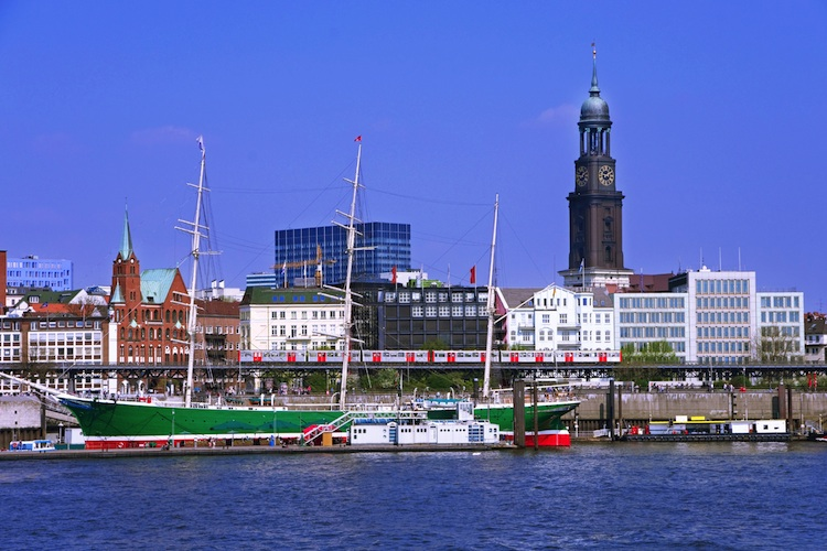 Hamburg Shutterstock 143642617-Kopie in Logistikmarkt in der Hansestadt auf Wachstumskurs