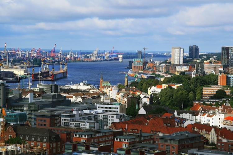 Hamburg Shutterstock 74900554-Kopie in Büroimmobilien: Flächenumsatz bleibt in Hamburg stabil