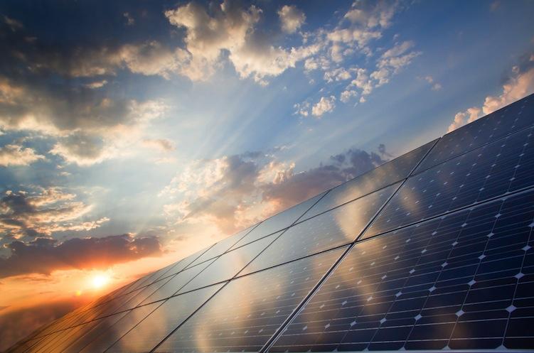 Shutterstock 175274429 in Photovoltaik: Installationszahlen hinter den Erwartungen