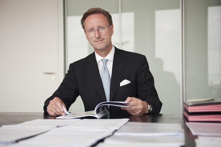 """Uwe H. Reuter, VHV: """"XXXX""""."""
