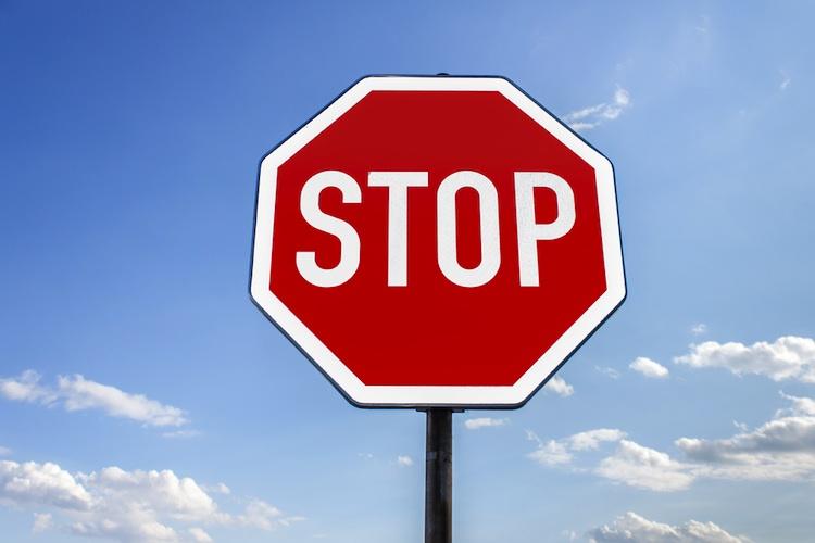 stopp-schild-750-shutt_149902325