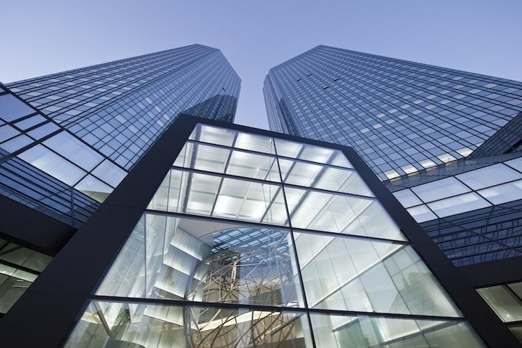 1 Blick-auf-die-TA Rme-und-den-neuen-Eingang-Kopie-2 in Deutsche Bank plant Übergabe von Immobilienfonds