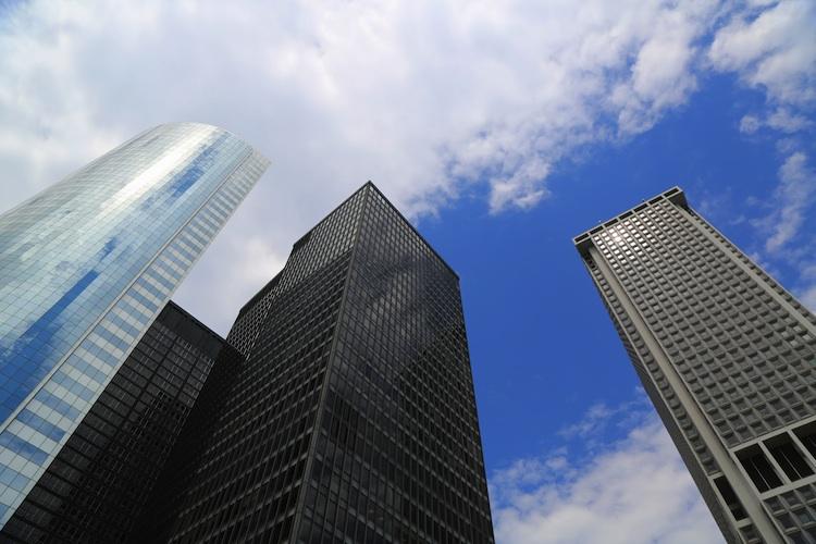Buero Shutterstock 201129251-Kopie in Aufschwung am Gewerbeimmobilienmarkt