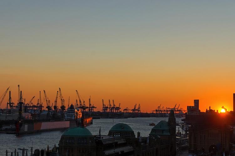Hamburg Shutterstock 157147922-Kopie-2 in Wohnimmobilien: Kaufpreise im Norden und Osten im Aufwärtstrend