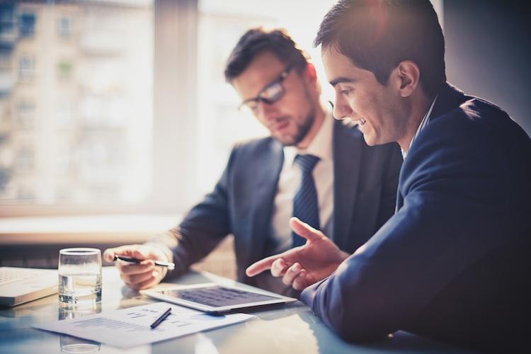 Makler haben anspruchsvollere Kunden als AO-Vertreter