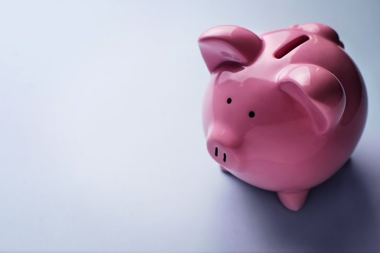 Sparschwein Shutterstock 175413806 Original-Kopie1 in Deutsche sparen weniger für Wohneigentum