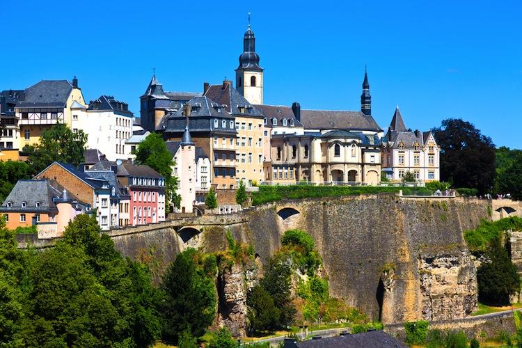 Shutterstock 78140458 in Real I.S.: Spezialfonds investiert in Luxemburg