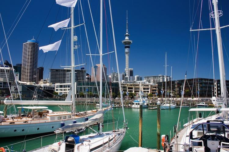 Auckland Shutterstock 81055744-Kopie-2 in Offene Immobilienfonds: Deka investiert erstmals in Neuseeland