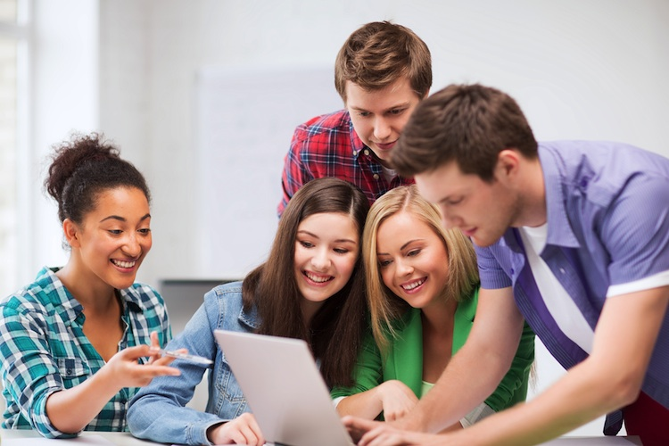 Neue Ausbildungsplattform für Versicherungsberufe