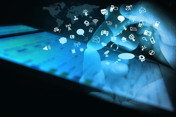 Social-Media Shutterstock 182250974-Kopie-2 in Mit Social Media zum Erfolg