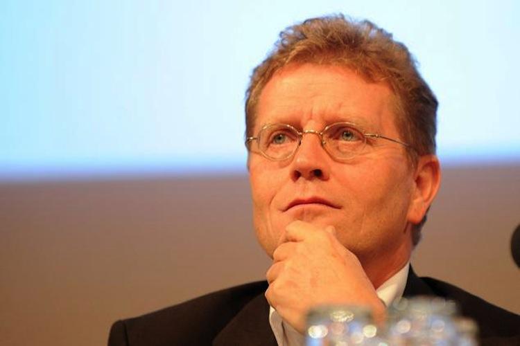 Verbraucherschützer: FC St.Pauli-Vize Stenger überwacht Bund der Versicherten
