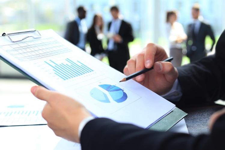 Marktforschung in Studie: Assekuranz soll von Konsumgüterindustrie lernen