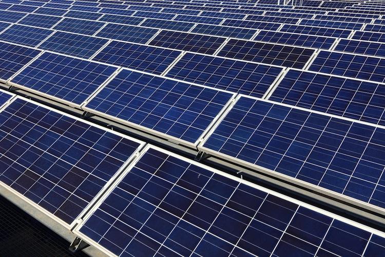 Shutterstock 115625674 in Voigt & Coll. investiert in Fotovoltaik-Anlage