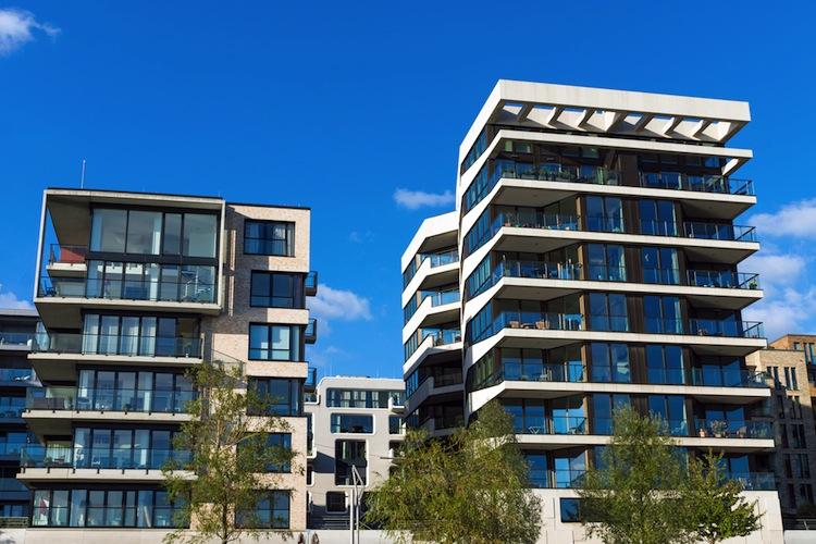 Shutterstock 158361296 in DZAG: Immobilien stark, Schiffe schwach