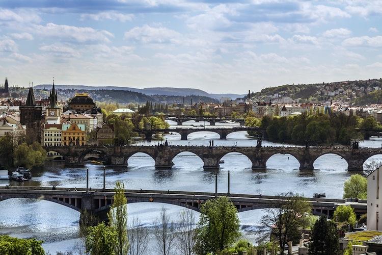 Versicherer setzen auf junge Kunden in Osteuropa