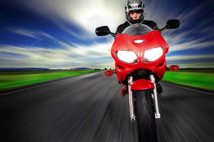 Bike in Risiko Motorradfahren: Schutzkleidung kann tödliche Unfälle nicht verhindern