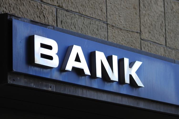 Studie: IT-Anbieter fordern Banken heraus