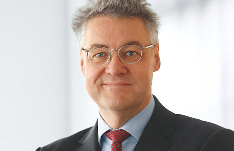 Dr -Stephan-DB750 in Umfrage: Deutsche wollen Zinstief aussitzen