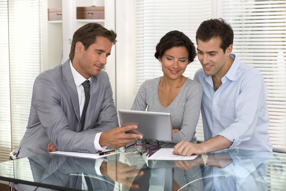 Versicherungskunden wollen persönliche Beratung