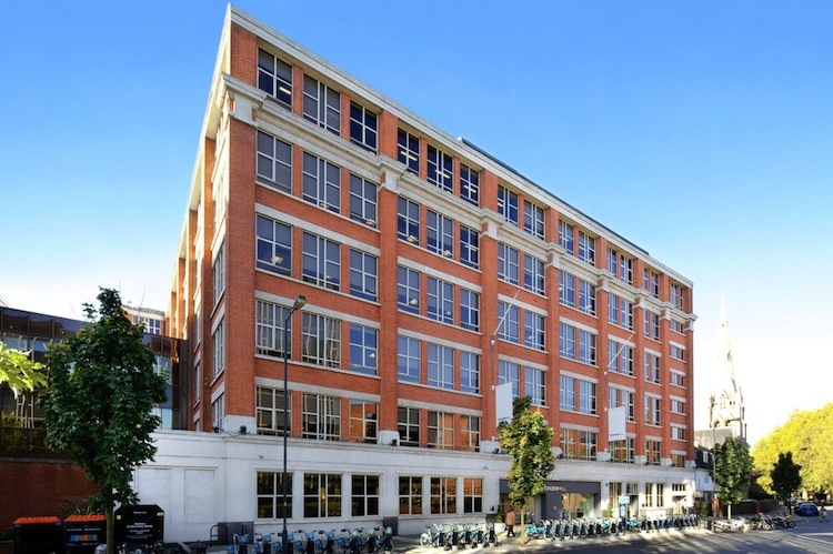 Elms-House in DFH verkauft Immobilie in London