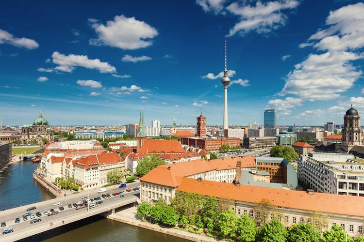 Berlin-750-shutt 113558032 in Offener Immobilienfonds Hausinvest verkauft Berliner Bürohaus
