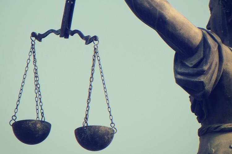 Bundesarbeitsgericht-urteil in Niedrigschwellige Erkenntnisse über unerlaubte Anlagenvermittlung ausreichend