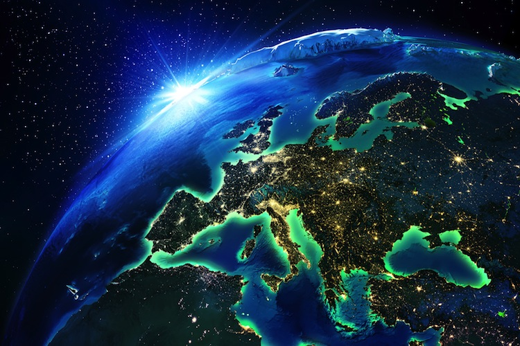 Europa-Sat-Night-750- in Chancen und Risiken der EZB-Politik