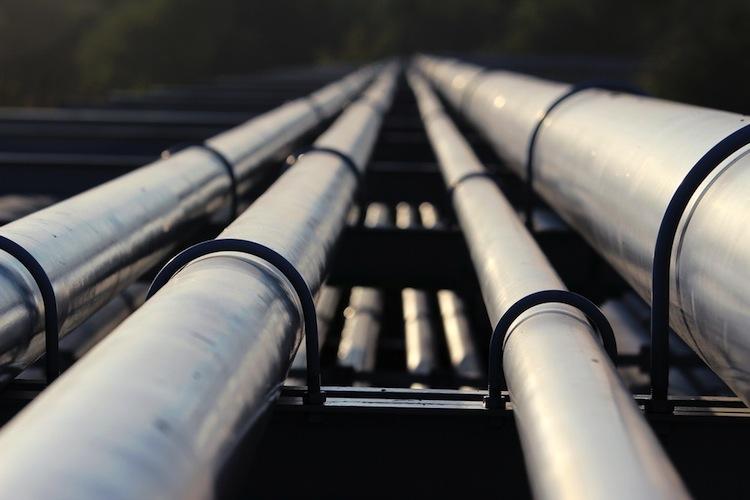 Rohoel in Ölpreise vor US-Daten höher, Gold auf niedrigerem Niveau gefragt