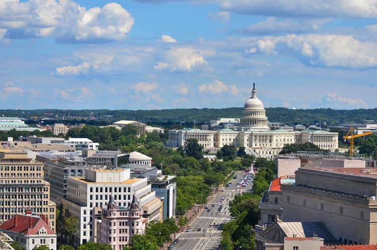 Shutterstock 113738845 in Jamestown-Fonds investiert in Washington, D.C. und Florida