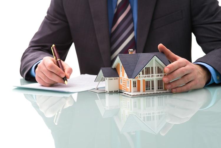 Baufinanzierung Shutterstock 177566276-Kopie in Welche Form der Immobilienfinanzierung günstiger ist