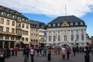 Bonn Shutterstock 136539365-Kopie-2-300x200 in Bonn_shutterstock_136539365 Kopie 2