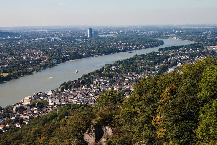 Shutterstock 170872757 in Studentenapartments: MPC investiert in Bonn